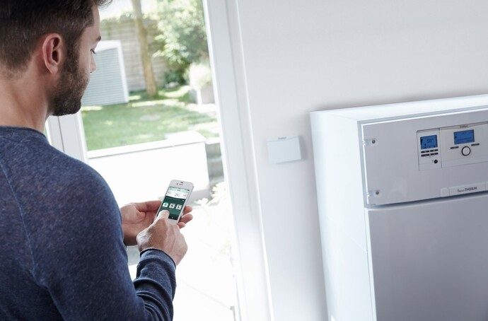 https://www.vaillant.fr/images-1/produits/regulation/vr-900/hp15-32508-01-1024638-format-flex-height@690@desktop.jpg