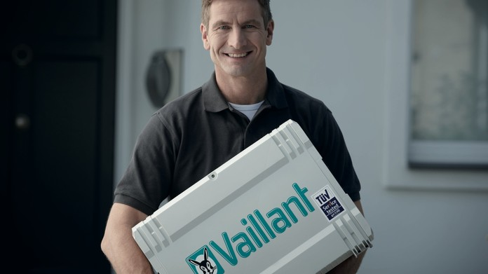 //www.vaillant.fr/media-master/global-media/vaillant/promotion/professionals/prof11-4501-00-45434-format-16-9@696@desktop.jpg